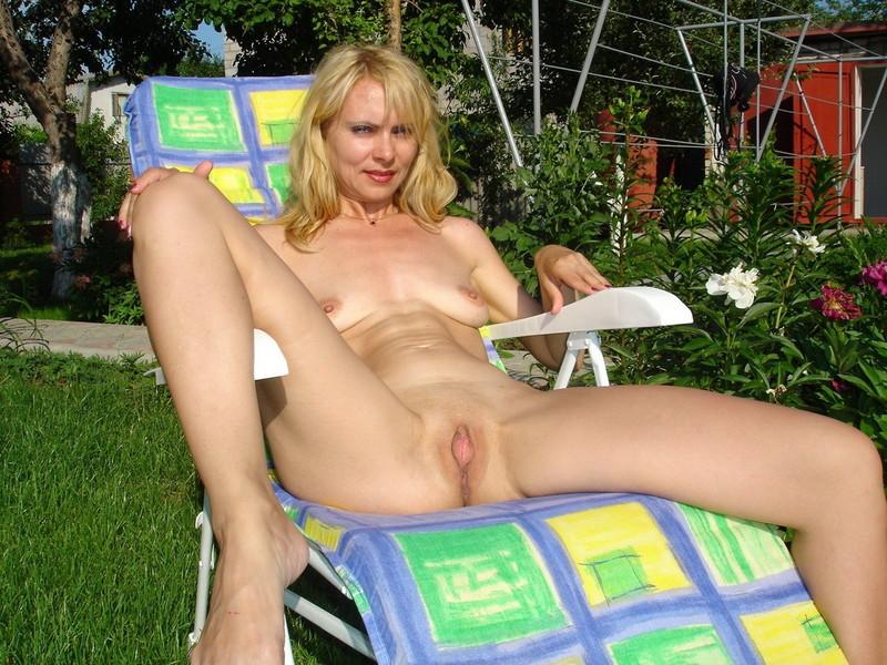 Русская блондинка вика в порно 22 фотография