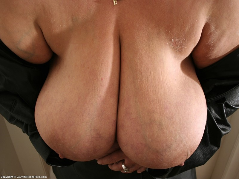 Фото огромных обвисших сисек 3 фотография