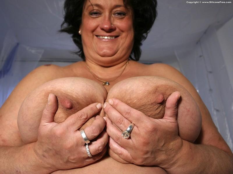Фото груди пожилых дам 26 фотография