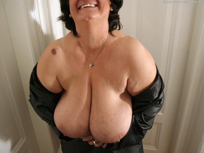 Фото груди пожилых дам 23 фотография