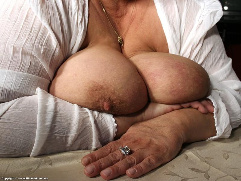 Шикарные Бабушки С Огромными Натуральными Грудями Порно