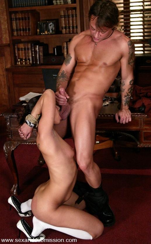 Жесткий секс фото секретаршей