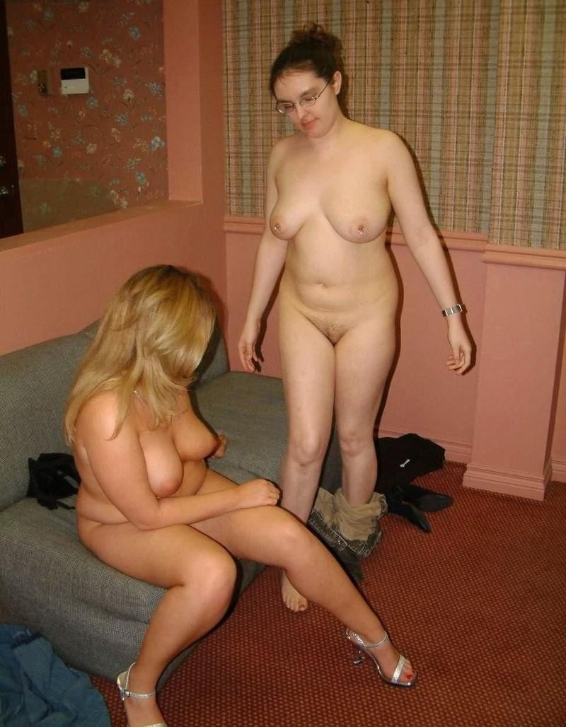 пухленькие голые развлекаются соблазнительные лесбиянки