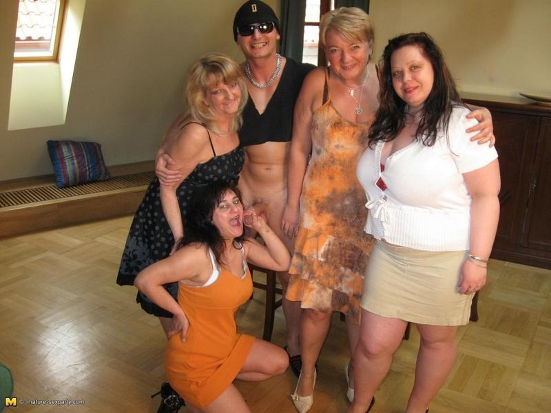 Зрелый секс на вечеринках фото 177-0