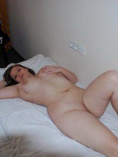 analniy-seks-s-tatuirovannoy-devushkoy