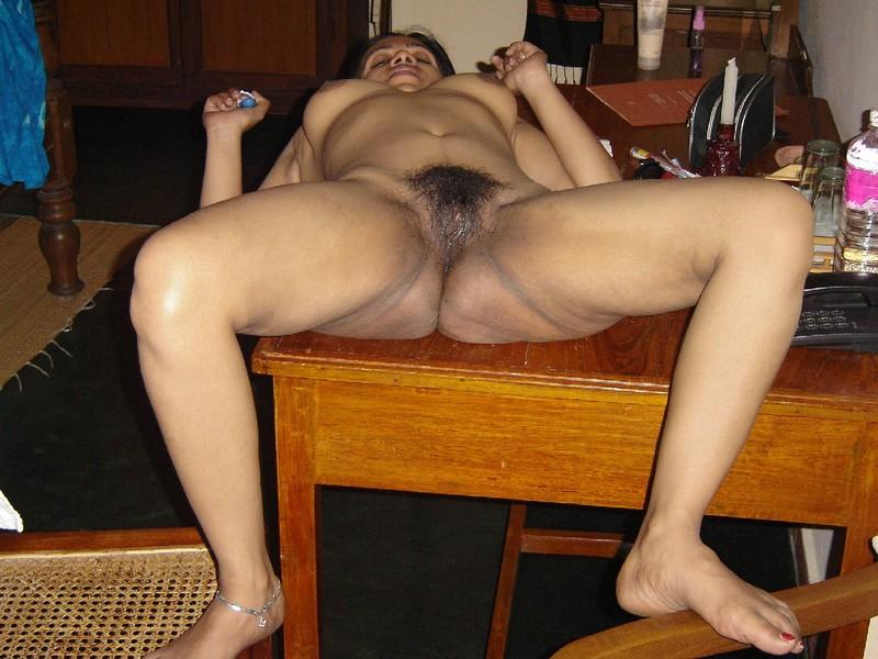 Смотреть какжоны мастурбируют на вебку 1 фотография
