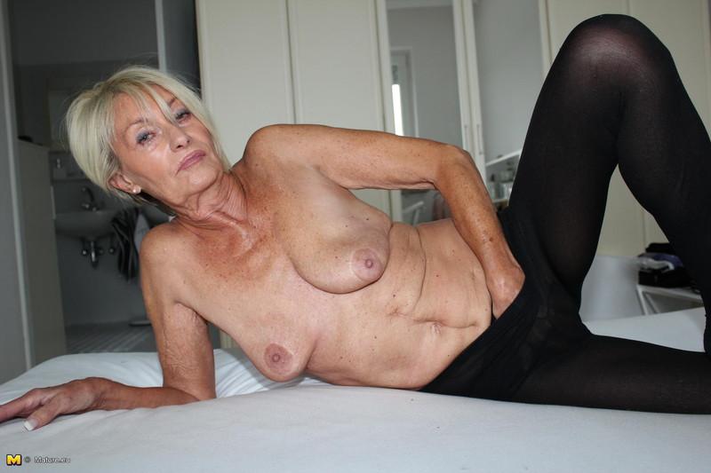 pozhilie-nemki-porno