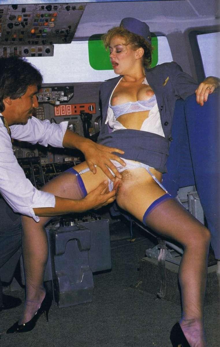 про стюардесс порноигры
