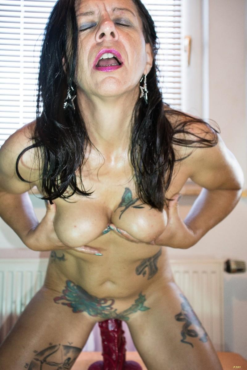 porno-slut-petra