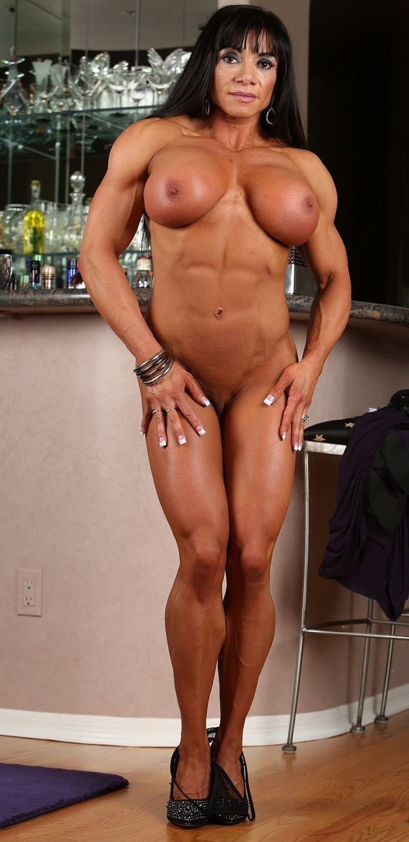 Monster tit muscle women pics free erotic photo