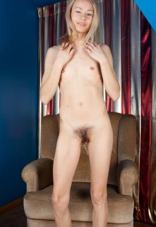 Порно молодых стройных худых с волосатыми кисками