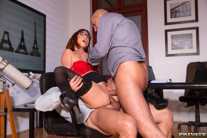Смотреть порно как секретарша сделала миньет боссу 4 фотография