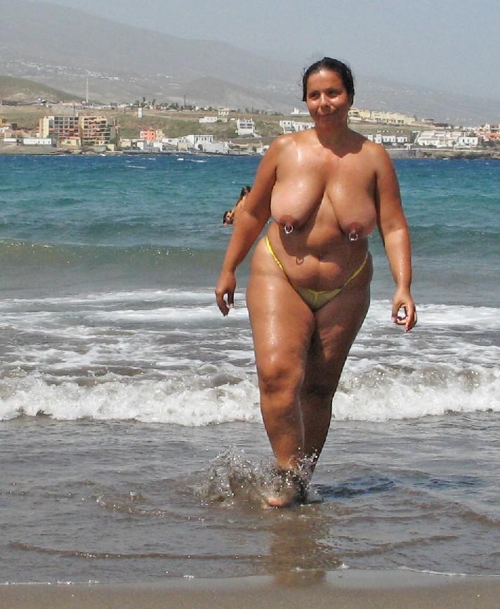 Видеотолстые на пляже фото 225-458