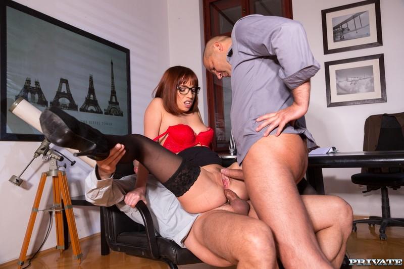 трахались ней порно онлайн азиатка с шефом мужа постарались