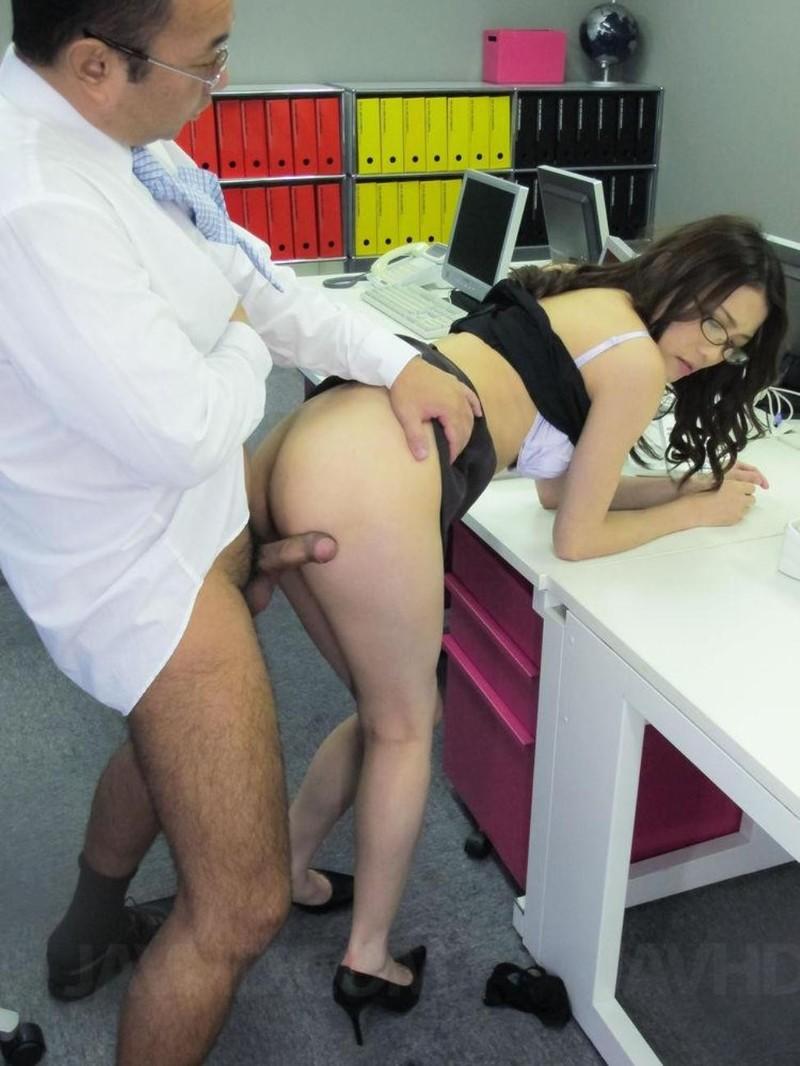 Секс в перерывах на работе русское 4 фотография