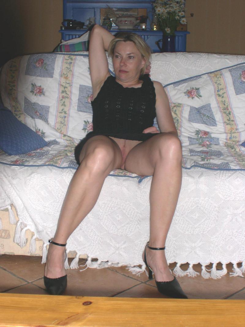 случайное фото под юбкой у старушек