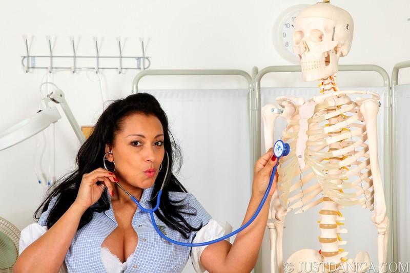 Смотреть медсестра пристает к пациенту 23 фотография