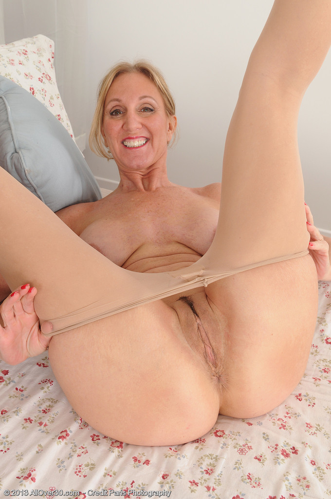 Housewife kelly anderson porn