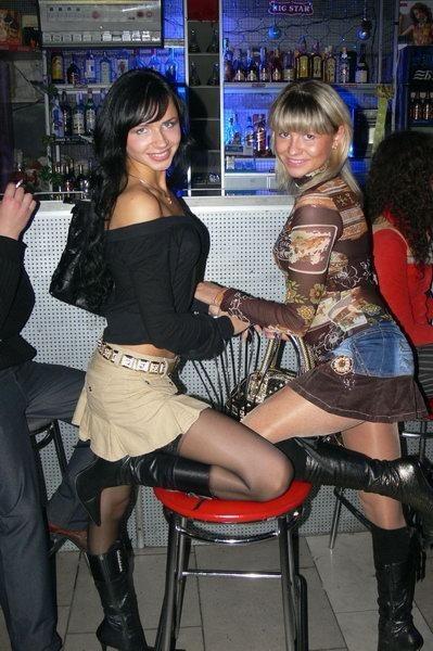 этот сайт фото в мини и колготках на дискотеках хельсинки