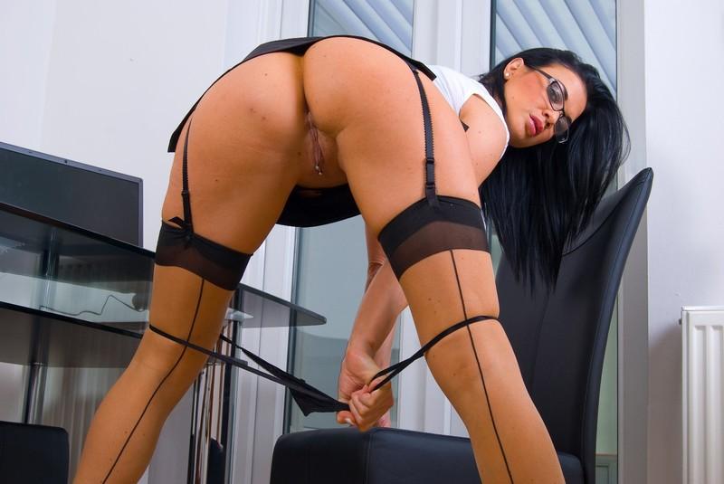 Сексуальная секретарша занимается сексом 18 фотография