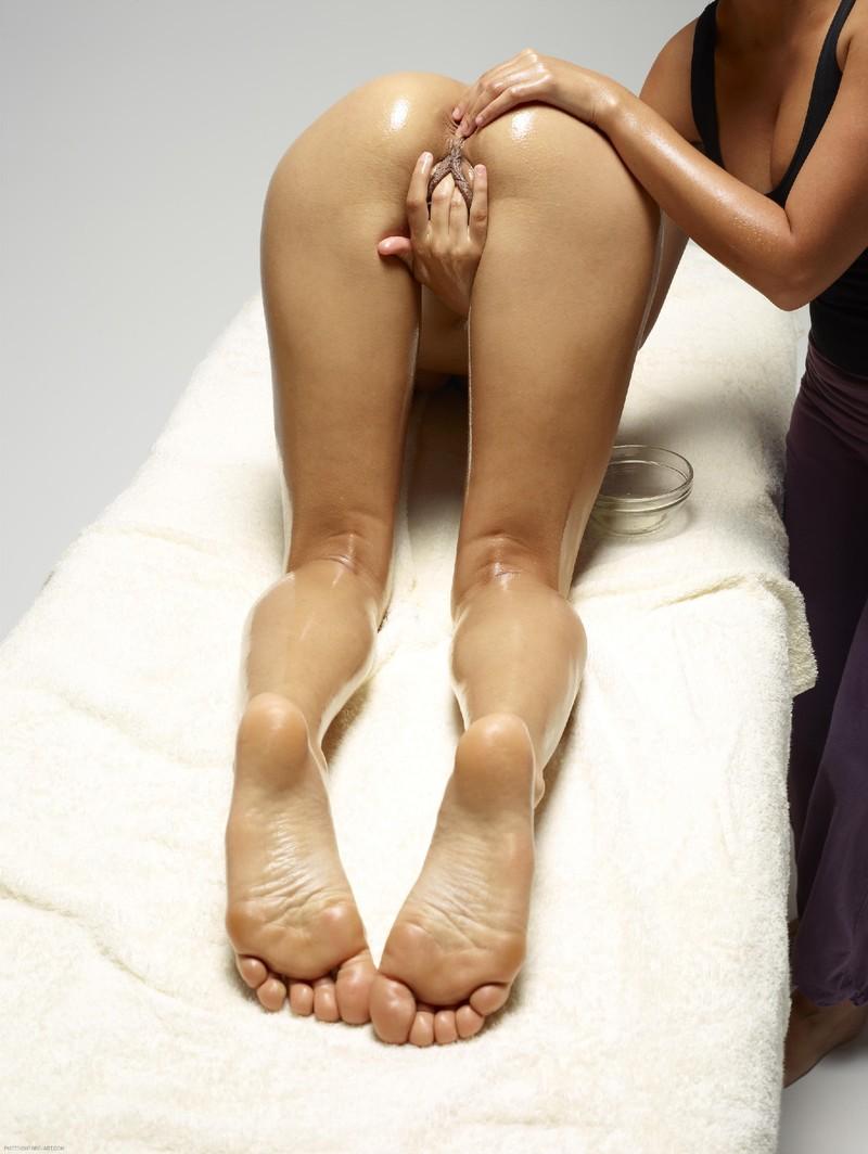 Эротический лезби массаж 10 фотография
