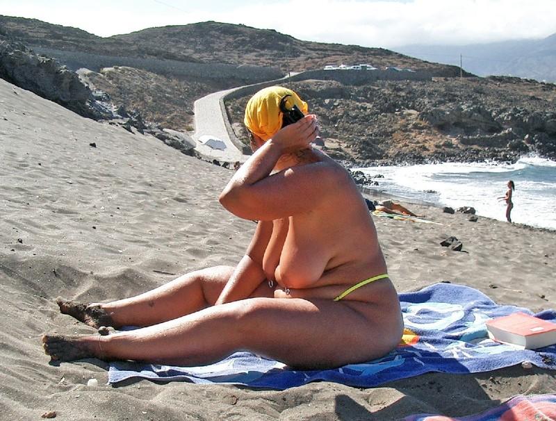 Тетя на пляже 4 фотография