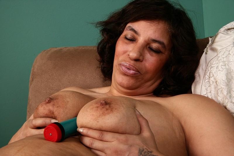 Пухлые негритянки с сиськами 7 фотография