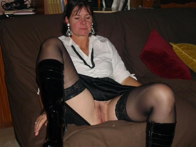 Фото женщины раздвинула ноги 28 фотография