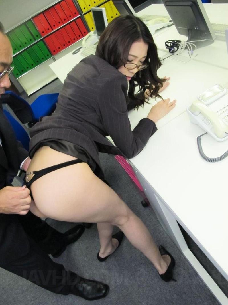 Японок Ебут В Одежде В Офисе