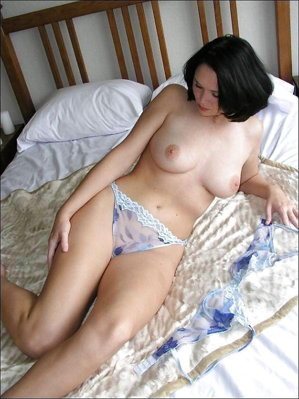 Пышные дамы в постели смотреть онлайн