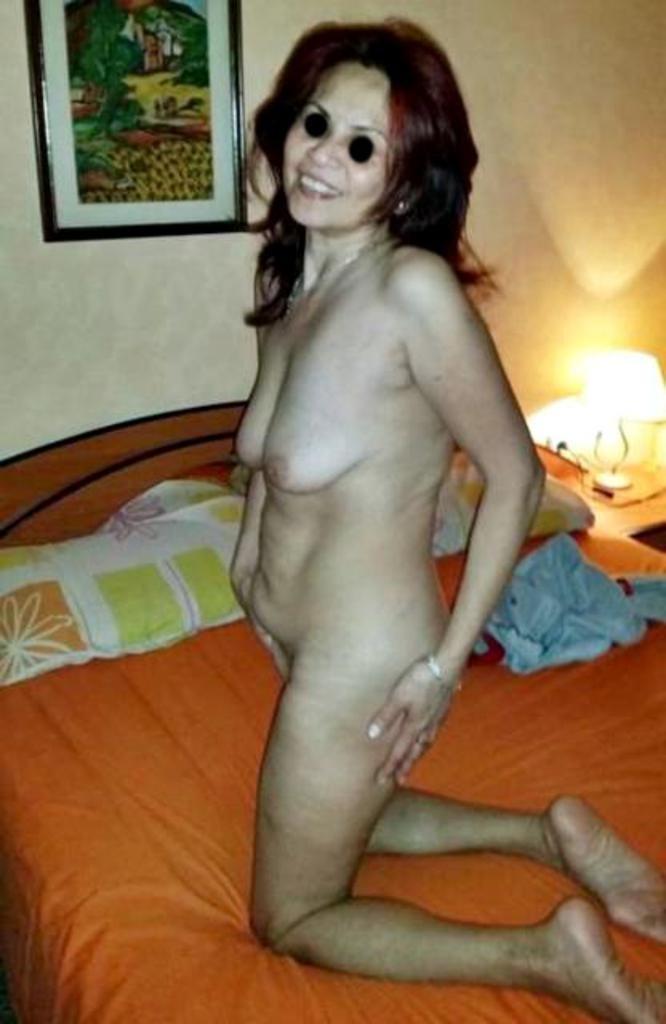 Моя голая жена позирует фото 115-675
