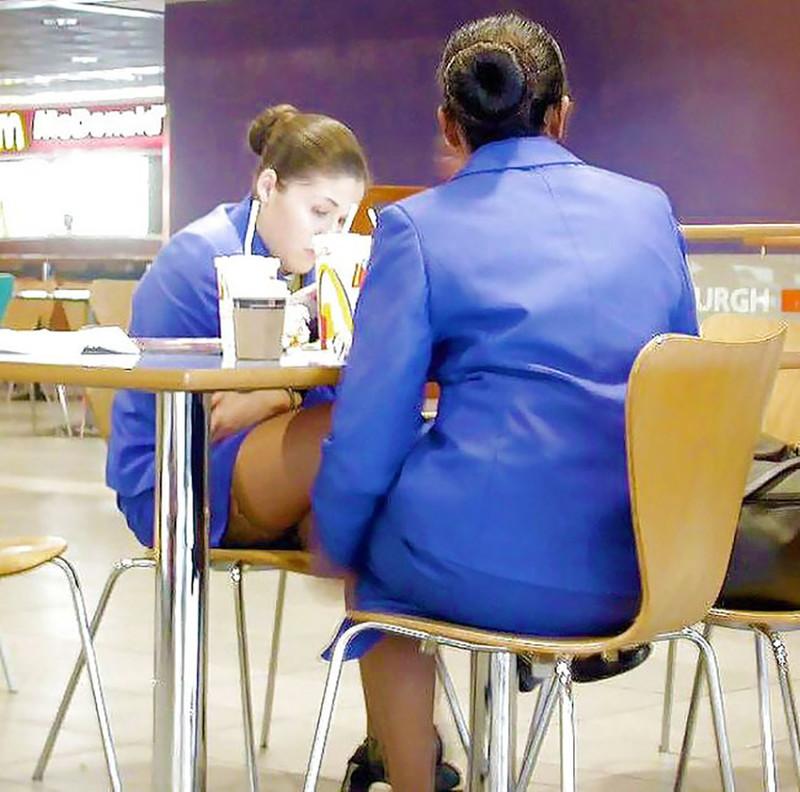 Смотреть стюардесса в чулках 1 фотография