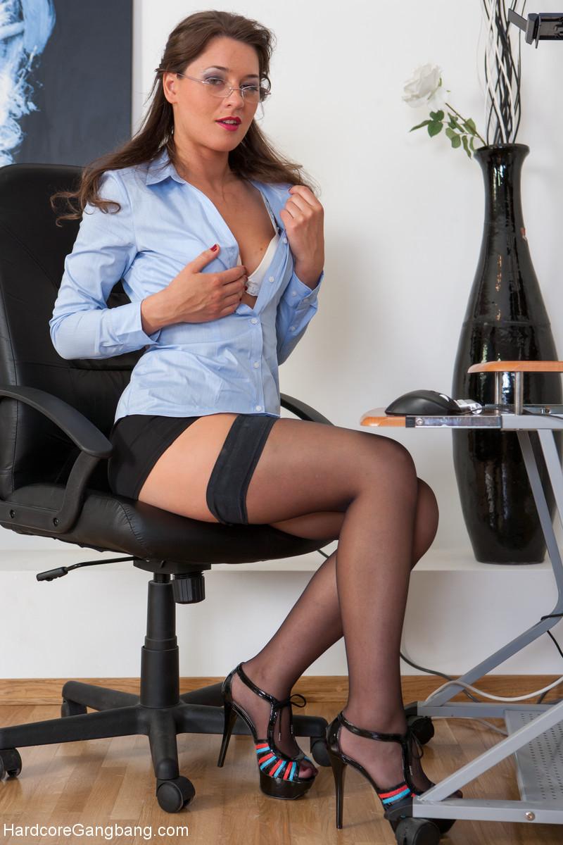 Боссу дрочит секретарша пост