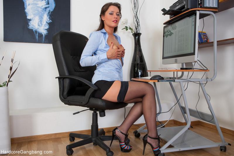 Начальник ебет секретаршу русское порно 8
