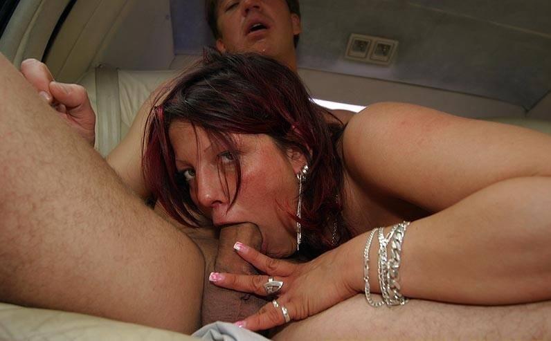 Проститутка В Лимузине Дрочит