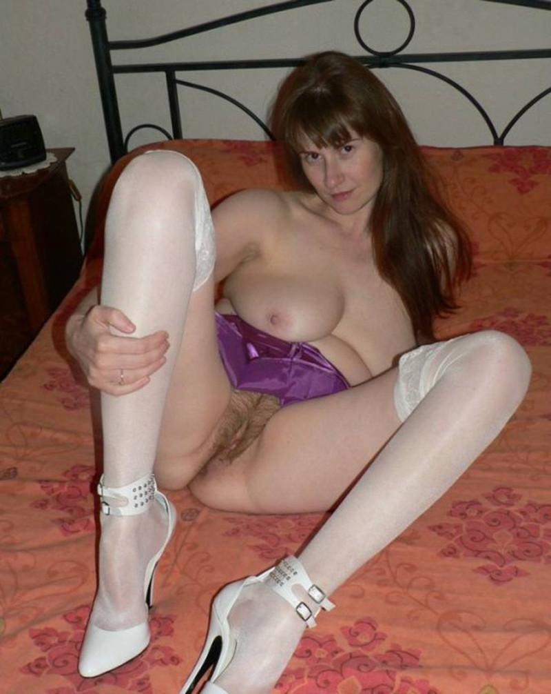 Смотреть фото у женщин волосня между ног фото 522-591