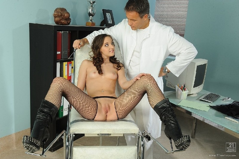 фото секс в кабинете врача