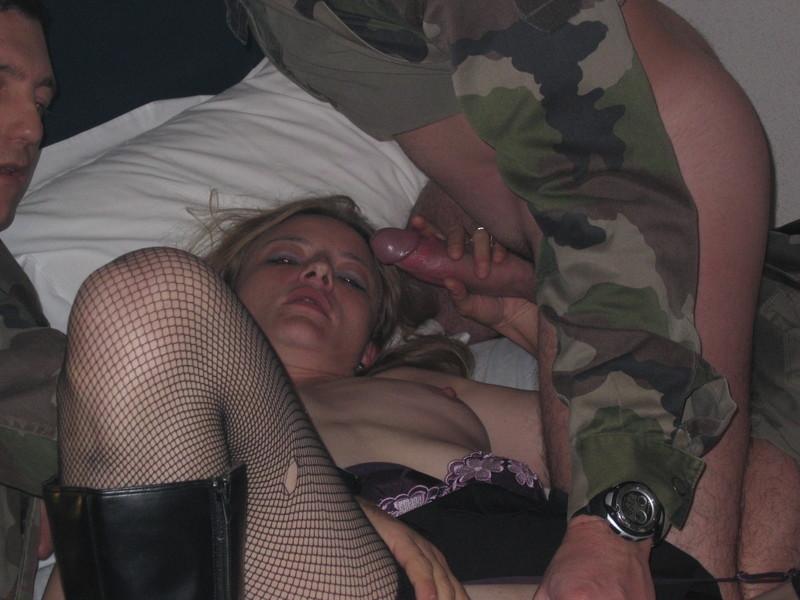 эротика бесплатно секс с проституткой в армии осознав всю неотвратимость
