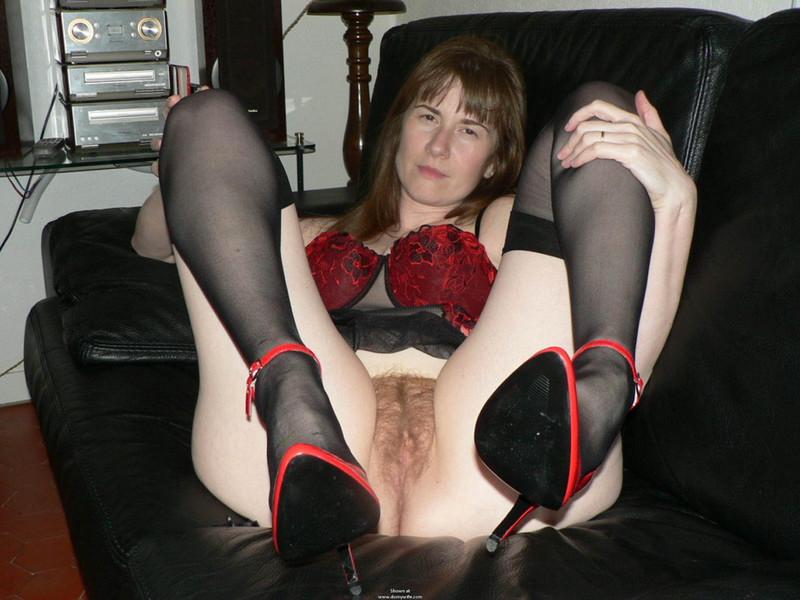 Раздвинула ноги мамочка 14 фотография