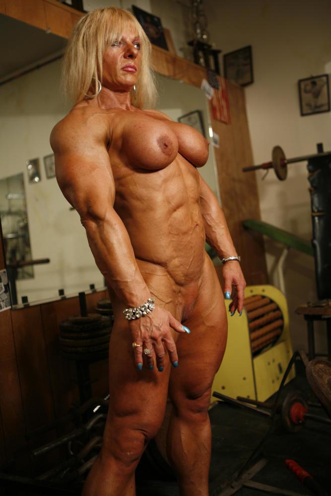 харесваме младото шикарное порно со зрелыми тетями с накаченными мышцами столько