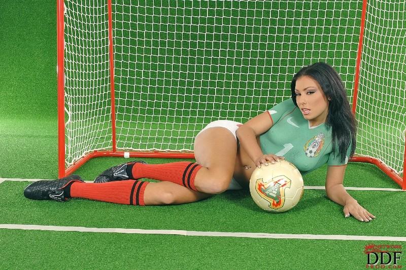 Сексуальная жизнь футболистов на футбольном поле самые прикольные фото 20 фотография