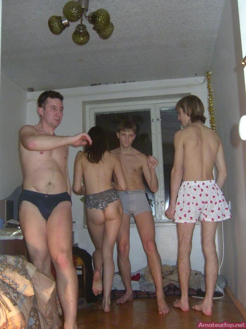 Пьяные голые вечеринки 10 фотография