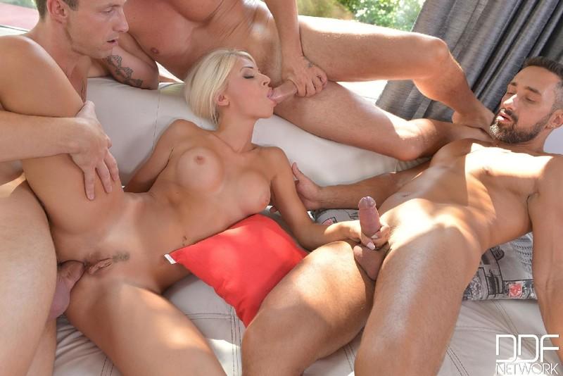 video-seks-gruppovuha-pornuha