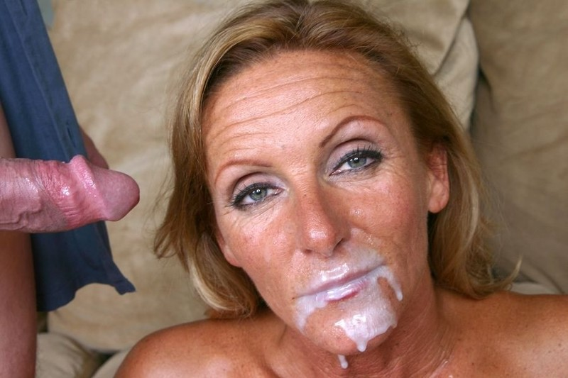 Порно видео красотки сперма вытекает из пизды
