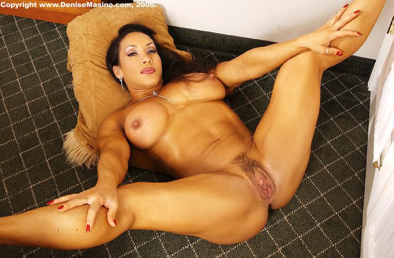 Фото голой женщины со спущенными трусами онлайн