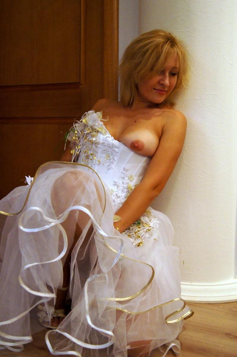 Фото архивы домашнее голых невест 20 фотография