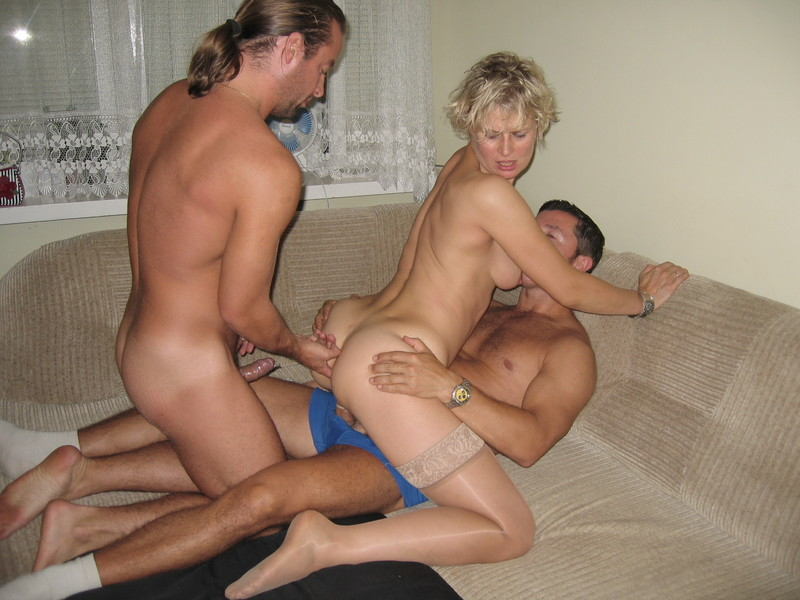 Смотреть русское порно муж жена и друг домашнее 3 фотография
