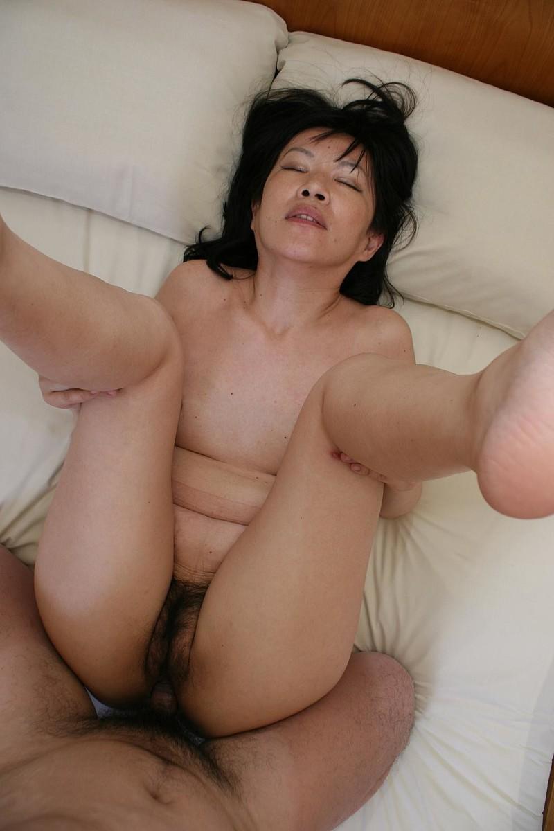 Секс с зрелой азиатской женщиной 17 фотография