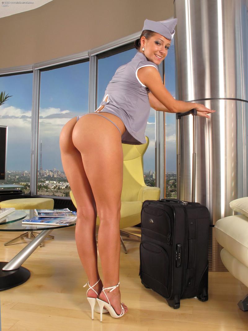 фото мокрые попки красивых стюардесс девочки