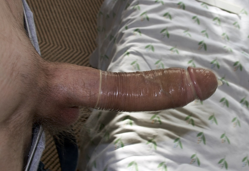 foto-chlen-v-prezervativ